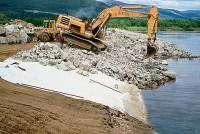 Геотекстиль при укреплении берегов